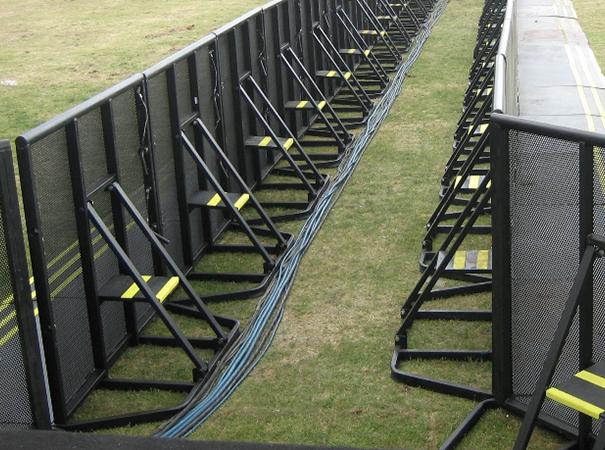 stage-barricade1